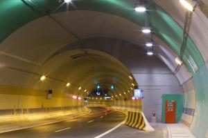 SATRA - Tunelový komplex Blanka: odstavný záliv v Bubenečském tunelu